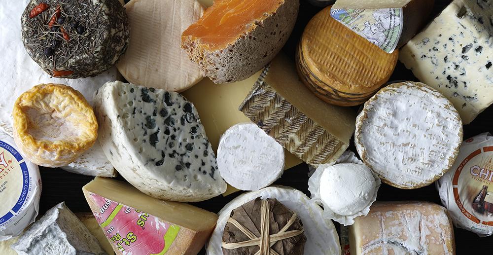 confronto Parmigiano e altri formaggi